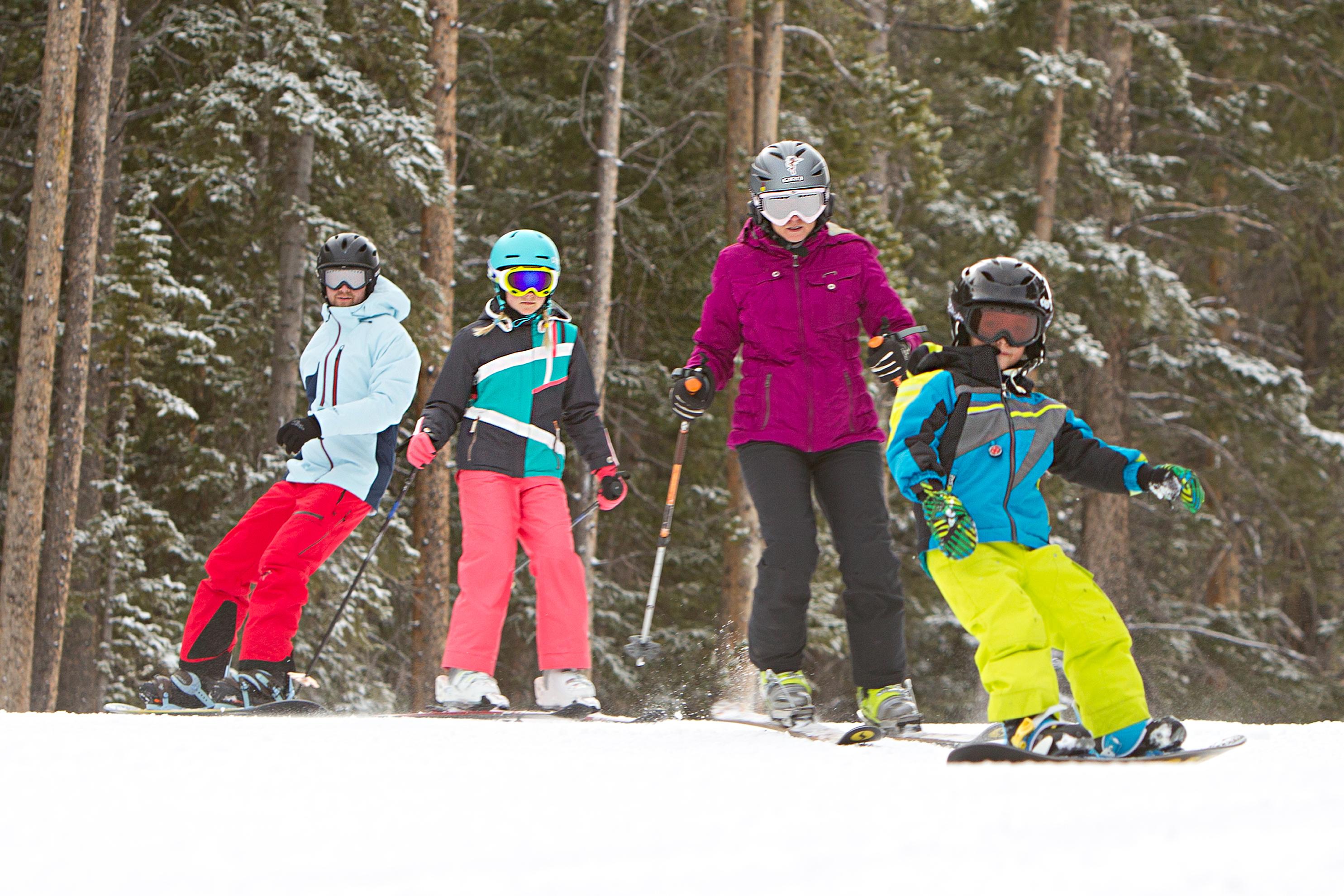 family ski action